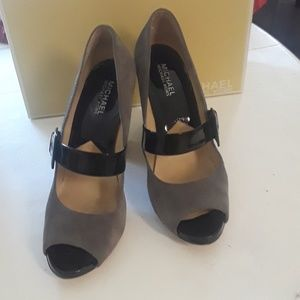 Michael Kors Open to heels